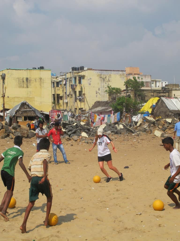 Learning skills with the new leaders of Slum Soccer in front of their homes on the beach